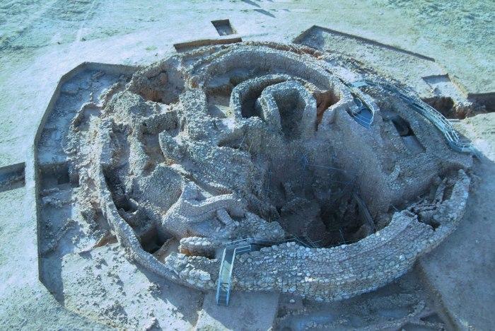 El pozo mas antiguo de la península, Motilla delAzuer.